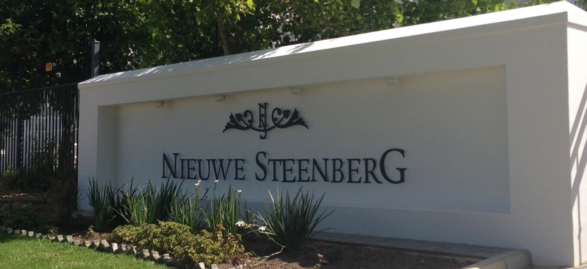 Niewe Steenberg Estate