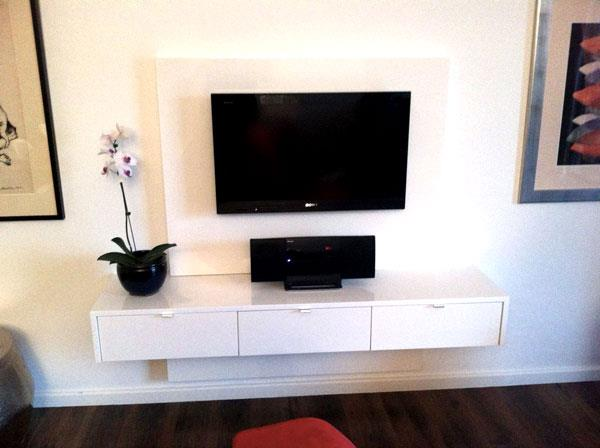 Cape Town Apartment White Floating Television Unit With Top And Bottom Panels